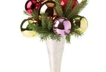 Florals & Wrappings / Ideas for decorative arrangements and gift wrapping/boxes/bags. / by Robin Grose