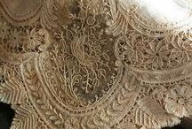 Beautiful Antique Lace // Encajes y telas antiguas