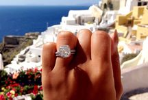 Engagement Rings / by Dani Saenz