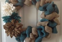 wreaths 4 all seasons / by Diane Gibbons
