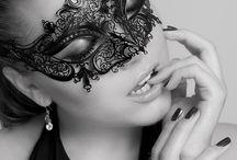 Maskeli kadın