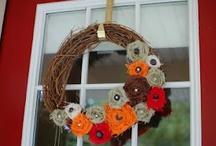 wreaths/front door / by Nicole Gonzales