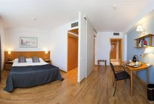 Atenea Valles / Only 20' from Barcelona, this 4 stars hotel is located in the heart of the shopping area of Granollers. Also, close from the F1 Circuit, with great access to the main roads, heading France and south of Spain.