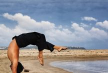 Hollowback Handstand / Mexican/Hollowback Handstand Pose