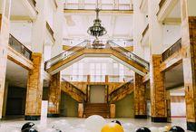 Grand Hotel Shooting / Styled Shoot - Elegant moderne Hochzeitsinspiration in Kupfer und Petrol