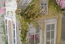Miniatures Dollhouses