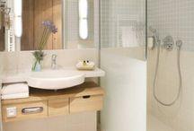 Kylpyhuoneet ja vessat