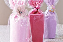 Gift Ideas / GIFT AND  GESTURE IDEAS / by Wendy Jacobs