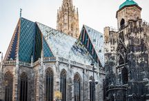 Vienna, AUSTRIA / https://www.gorealeurope.com/vienna-overview-vienna/ | Things to do in Vienna (Wien), Austria, including the grand Hofburg Palace, the Belvedere Palace Gallery, Grinzing and the scenic Wachau Valley. Start planning your trip to Vienna with our new itinerary trip planner!