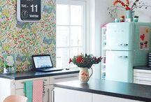 Cozinha vintage / O estilo vintage é caracterizado pelo resgate de peças de mobiliário originais que não sofreram modificações e modernizações, se inspire com belíssimas cozinhas!