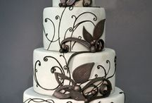 Black & White Cakes / by Hamley Bake Shoppe