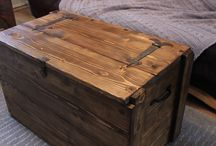 Crates, wooden things, pallets