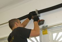 Emergency Garage Repair / Garage Door Repair Chicago understands that garage door problems often occur at inconvenient moments - and that you may not be able to wait any extra time to fix it.