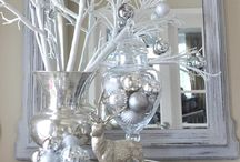 Christmas in Silver & Gold / Beautiful holiday decor in elegant silvers & golds