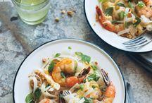 Weeknight Dinners / by Stephanie Bauchle