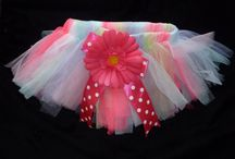 Little Girls Tutus / Little girls tutus for special days, dress up, pictures you name it. These tutus fit infants up to little girls.