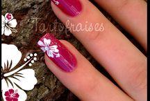 Λουλουδάτα νύχια