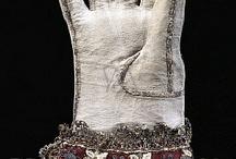 Gloves - 17th century