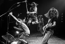 Heroes, Grunge Music / The beauty and art of Grunge music