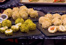 من مطبخ أسامة / بعد سنين طويلة من تقديم وصفات لكل الوطن العربي، يعود الشيف أسامة السيد علي شاشة سفرة بخلاصة تجاربه من مختلف مطابخ العالم