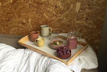 Piknik - ceramika i owoce