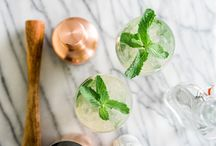 Healthy Cocktails // / Healthy cocktail recipes for all occasions. A healthy life and diet changes don't mean you can't imbibe or won't find yourself at events where cocktails are part of the celebration. Here are the drinks we love for healthy indulging.