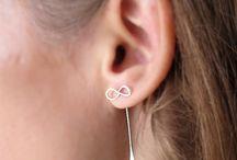 Frauenschmuck. Ohrringe / Handgemachte elegante Ohrringe für Damen