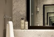 Traditional bathrooms / Mix with contemporary features