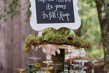 Woodland Weddings / Woodland wedding ideas, rustic wedding decor, forest weddings, 2018 wedding trends, greenery weddings.
