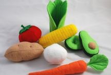 knitted food / by Lorraine Lawton