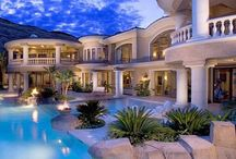 Homes on My Bucket List / Super Fab Homes I'd Love to Live In!