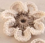 Crochê flores / by Katia Regina Goscinski