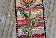 minin quilts / by Carolyn Lane