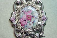 Brooches Victorian