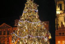Christmas In Prague / Look how amazing Prague is in the most wonderful time of the year!