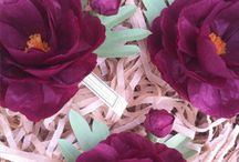 Paper flowers / by Emilia Kamarul
