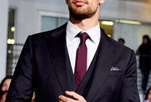 Theo James / Theo James