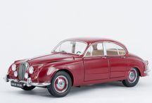 Paragon Models - Daimler V8 250 - Regency Red / Paragon Models Diecast - Daimler V8 250 - Regency Red 1967