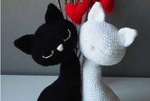 gatitos blanco y negro