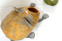Felted wool cat bed/cat house / Handmade an design wool felted cat cave/cat bed. Slow fashion. Handmade with care.
