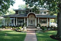 Home Entrance Landscapes / A collection of beautiful home entrance landscapes.