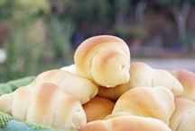 Baking: Breads / by Kaly Martell