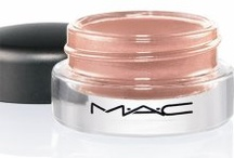 Shimmering Nude Makeup Look