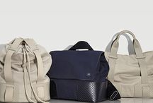 CASUALLY INSPIRED / Crafted from the sturdiest cotton canvas, #BottegaVeneta relaxed carry-all's take you through spring and beyond. To stand apart from the rest with the utmost of ease, a backpack in Sand, exclusively offered just for you.