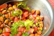 Salad/Soups / Salad are an easy way of peeking some vegetables and fruits to your diet.Soups give a warmth and comfort feeing during rainy /winter seasons.Find some interesting salad and soup recipe's