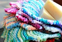 knitting dish and wash cloths