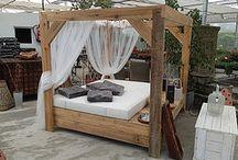 camas balinesas y tumbonas