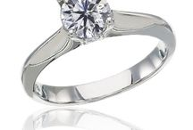 Classic Style Engagement Rings from Diamonds Rock / A classic setting is meant to be timeless, typically free from much distraction while it showcases the center stone. Worn as a solitaire setting, the center stone is the only feature on the ring, which is set on an un-embelished metal band.