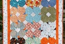 Quilt Patterns / by Mechela Hunter