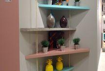 Prateleiras, nichos, estantes